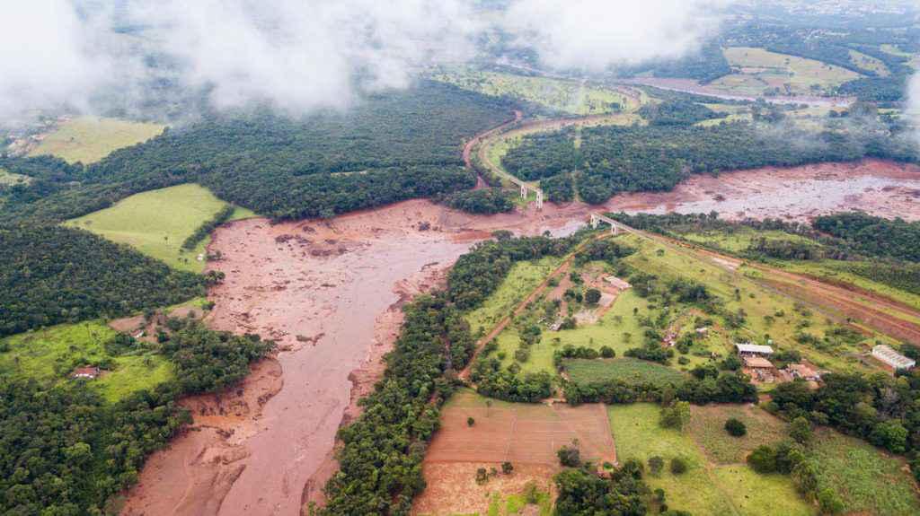 Rompimento de outra barragem da Vale em Minas Gerais causa tragédia humana e ambiental