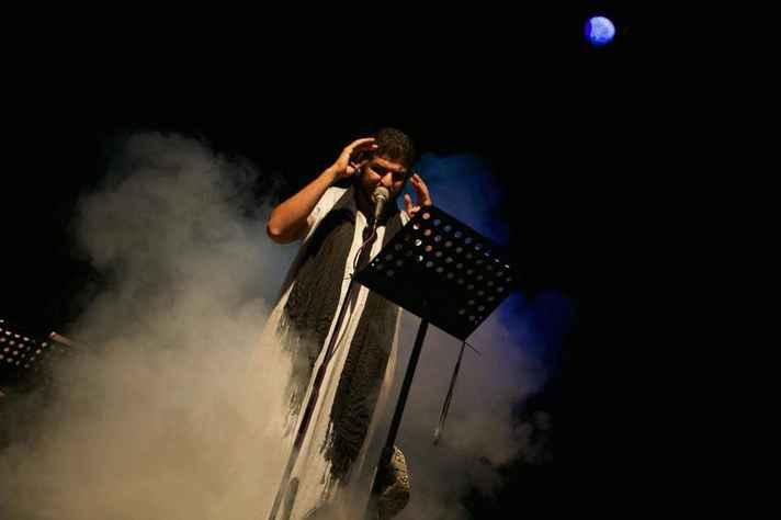 O espetáculo Un Marocain, do Marrocos, faz parte da abertura do  II Encontro Latinoamericano de Teatro de Grupo em Nova Lima.