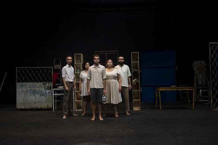 Elenco de espetáculo baseado em obra de Guimarães Rosa
