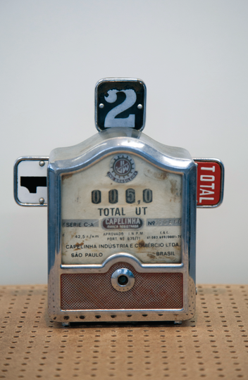 Taxímetro antigo da coleção do Museu do Cotidiano