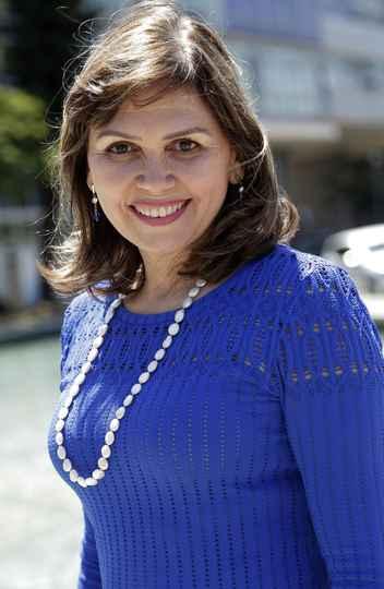 Andrea Mara Macedo, diretora do Instituto de Ciências Biológicas da UFMG