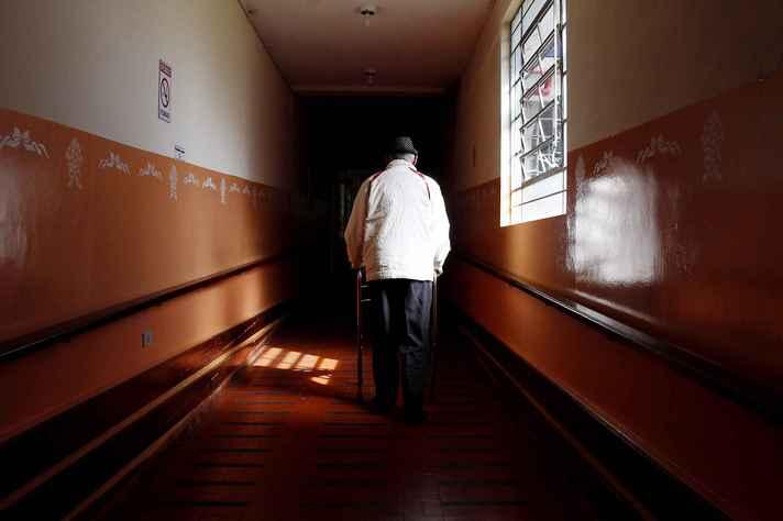 Pesquisa identifica padrões de violência contra idosos no Brasil