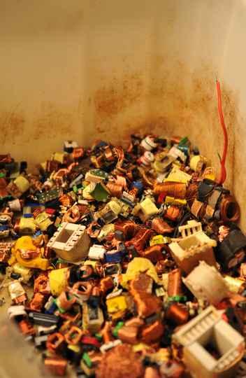 Material reciclável acumulado na Astemarp, na Pampulha