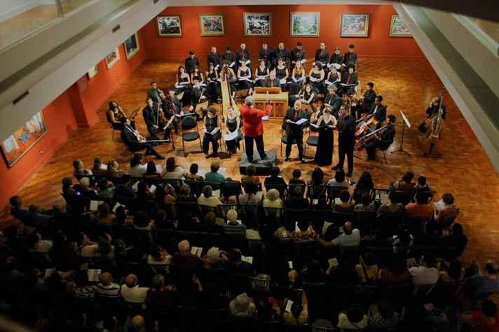 Concerto da primeira edição da séria Banquete de vozes do Natal, no Museu Inimá de Paula, em 2017