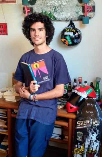 O vencedor do Prêmio Sesc de Literatura, João Gabriel Paulsen