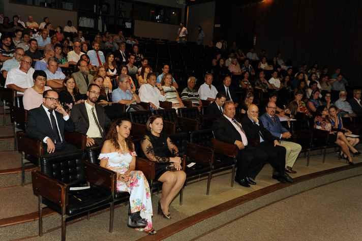 Cerimônia foi prestigiada pela comunidade da UFMG e por autoridades da área de medicina veterinária