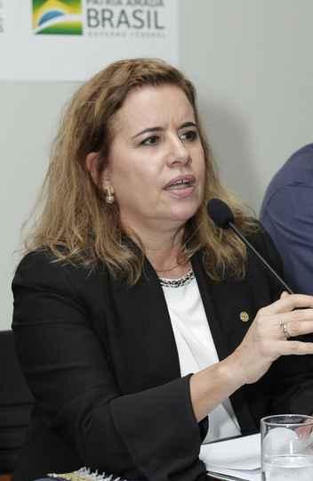 Reitora Sandra Regina Goulart Almeida: