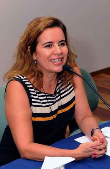 Sandra Goulart Almeida: ciclo aberto com chave de ouro