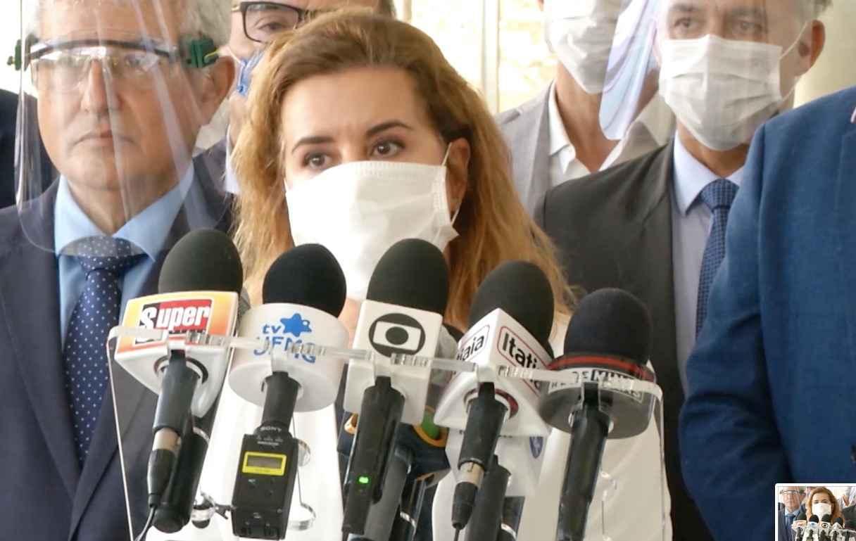 Sandra Goulart durante a visita do ministro Marcos Pontes à UFMG, em abril: