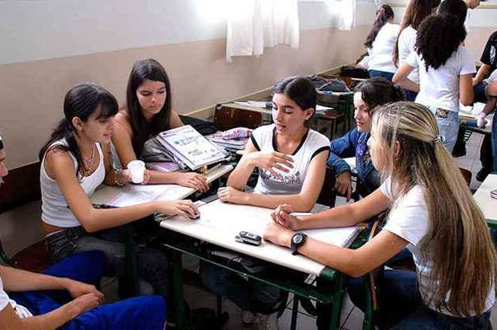 Escolas de tempo integral vão seguir novo modelo de ensino médio
