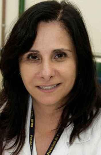 Ana Paula Fernandes é professora da Faculdade de Farmácia