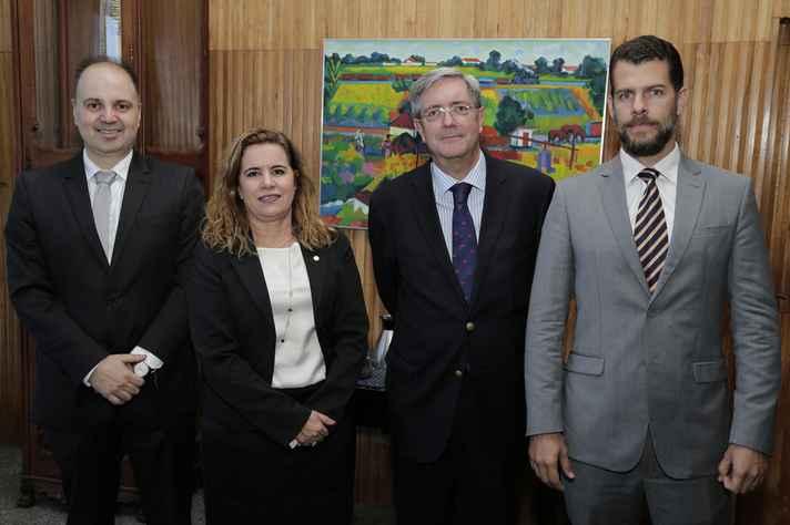 Aziz Saliba (à esquerda), Sandra Goulart Almeida, Fernando Ariztía e Alexandre Penido