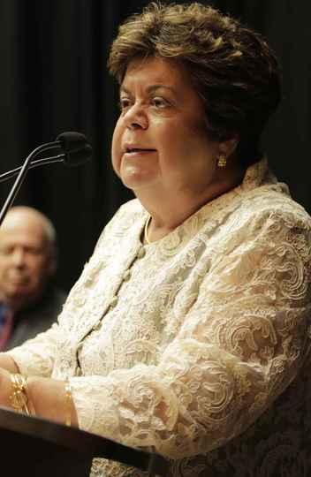 Ana Lúcia Gazzola: