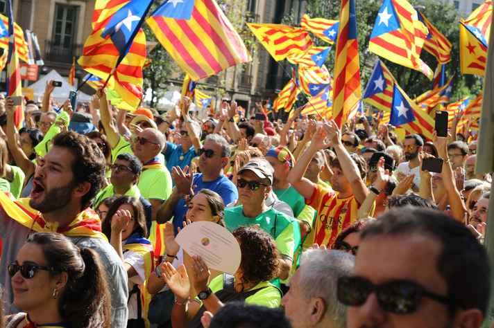 Catalunha: crise na região após referendo optar por separação da Espanha