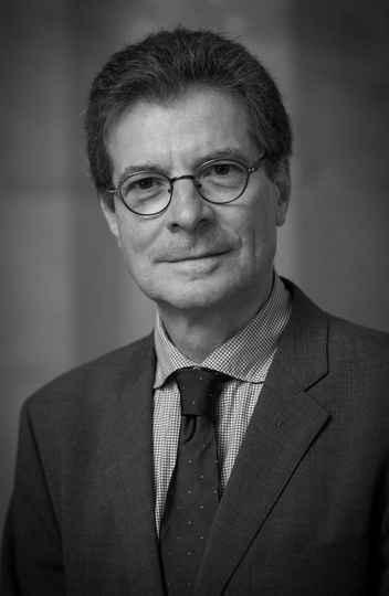 Professor Antoine Compagnon é um dos principais nomes da crítica literária na atualidade