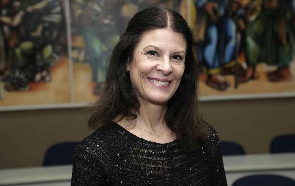 <p>Coordenadora da Secretaria dos Órgãos de Deliberação Superior<br>Consuelo Dourado Dupin, servidora técnico-administrativa em educação</p>