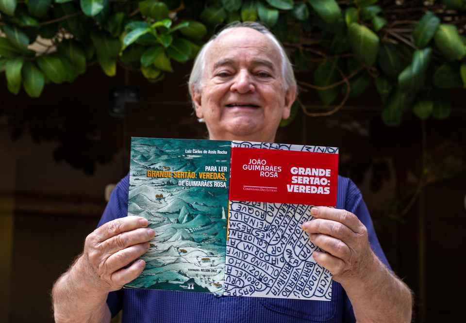 O professor e autor do livro, Luiz Carlos de Assis Rocha