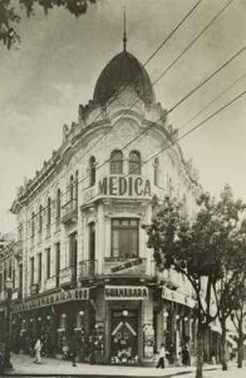 Palacete Thibau, na Avenida Afonso Pena, foi a primeira sede da Faculdade de Medicina de Belo Horizonte, fundada em 1911.