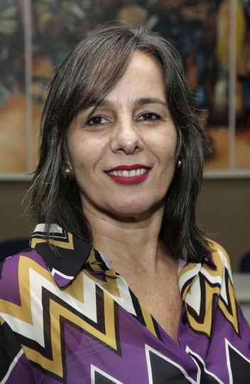 Diretoria de Cooperação Institucional Ana Flávia Machado, professora da Faculdade de Ciências Econômicas