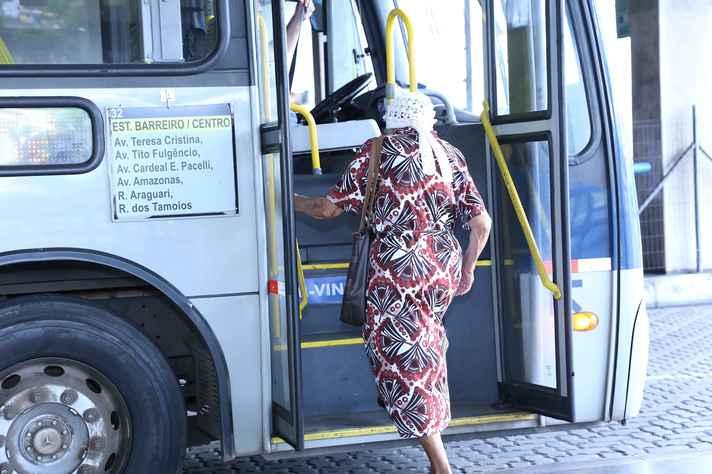 Regulamentação das tarifas de ônibus é um dos pontos que precisam ser discutidos pelo novo prefeito de BH