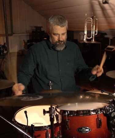Diego Berquó, baterista do Projeto Nó