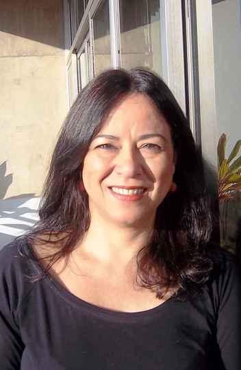 A professora Maria Esther Maciel, convidada de agosto do Encontro Marcado.