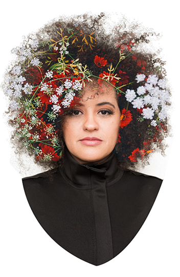 Bia Nogueira na capa de seu primeiro álbum solo: Diversa.