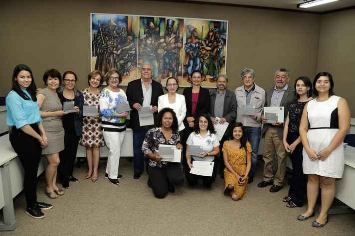 Grupo homenageado por suas contribuições ao crescimento da extensão na UFMG