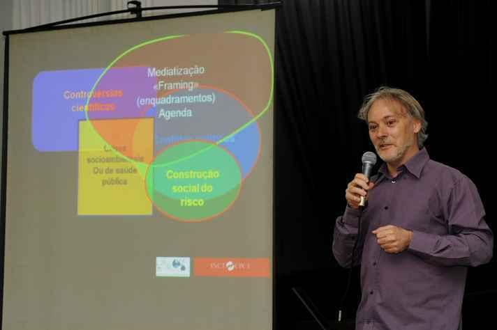 Yurij Castelfranchi: minicurso sobre desinformação na ciência