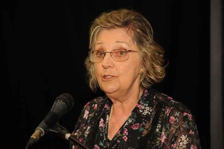 Vera Alvarenga: pioneirismo