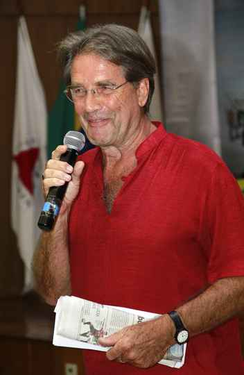 Teun van Dijk, professor da Universidade Pompeu Fabra, de Barcelona