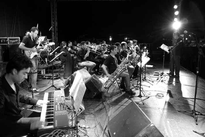 A Geraes Big Band da UFMG vai se apresentar com o músico Nelson Ayres