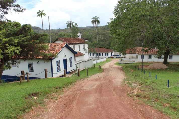 Entrada da Vila de Biribiri, em Diamantina: modelo de assentamento implantado por empresas