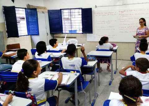 Escola pode atuar para diminuir as desigualdades e estabelecer ações para o aprendizado dos alunos de menor desempenho