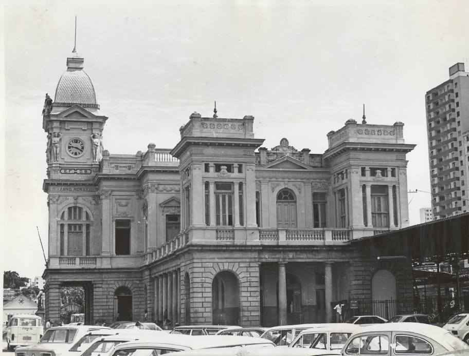 Fachada do prédio da estação ferroviária de Belo Horizonte já nos anos 1980: local foi a porta de entrada da gripe espanhola na capital mineira em 1918