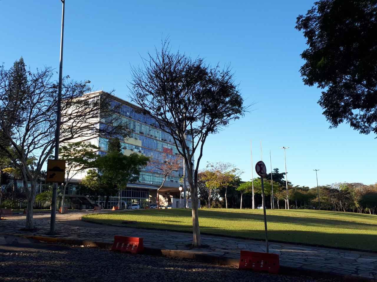 Jardins e edifício da Reitoria: UFMG é a única instituição entre os agraciados