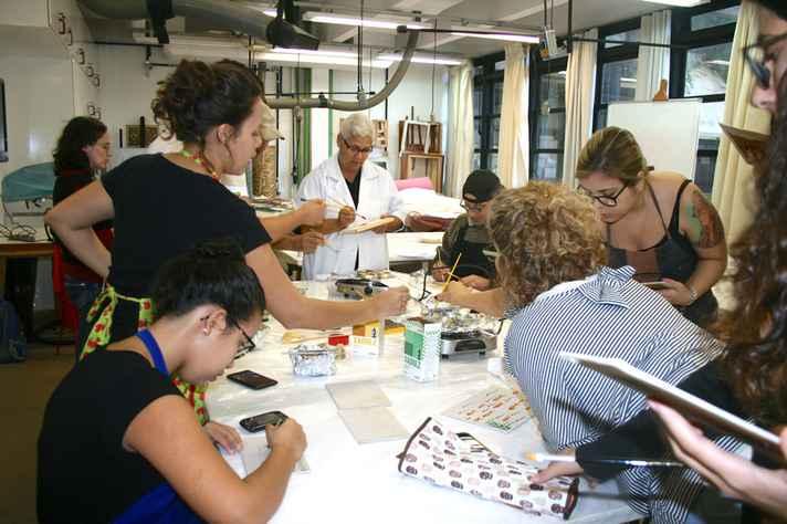 Laboratório de Conservação e Restauração de Pinturas da UFMG