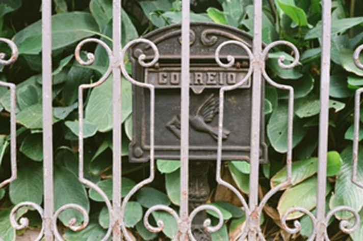 Exemplar de caixa de correio: objetos quase obsoletos mas ainda muito presentes em Belo Horizonte