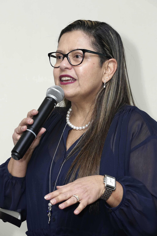 Professora Adriana Orsini: defesa incondicional da Constituição