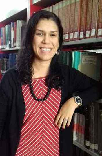Bibliotecária Marina Nogueira Ferraz