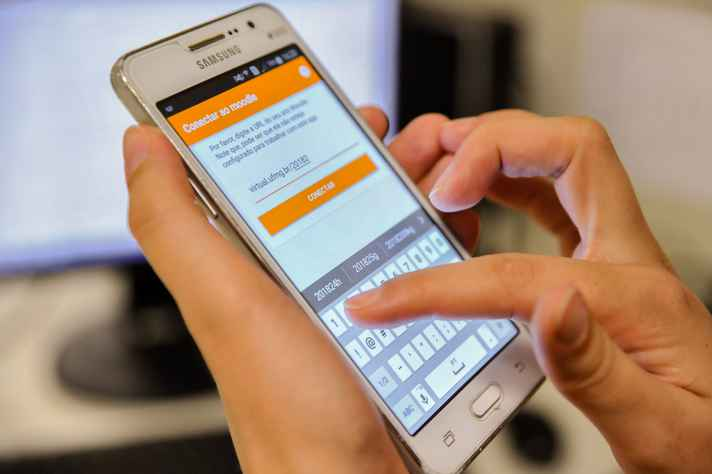 Usuário pode receber notificações de postagens de fóruns e tarefas