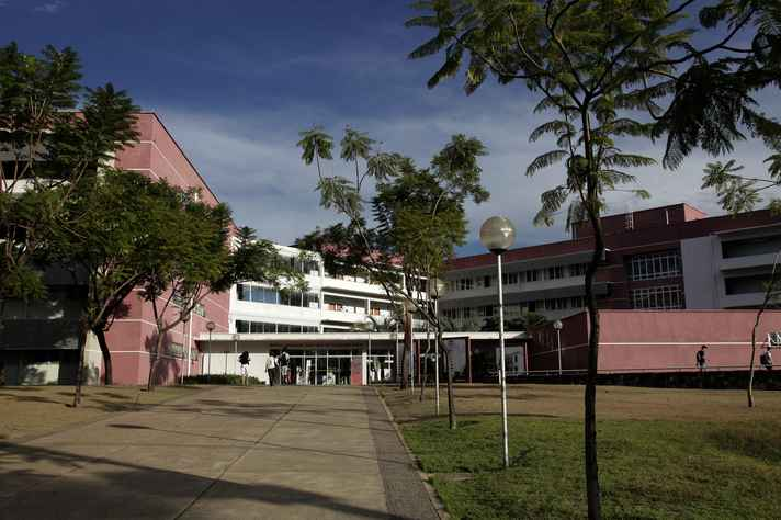 Faculdade de Ciências Econômicas