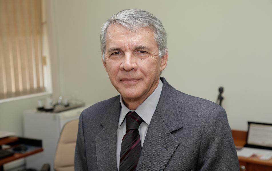 """<p>Fundação de Desenvolvimento da Pesquisa (Fundep)<br>Presidência<br><a href=""""http://somos.ufmg.br/professor/alfredo-gontijo-de-oliveira"""" target=""""_blank"""">Alfredo Gontijo de Oliveira</a>, professor do Instituto de Ciências Exatas</p>"""
