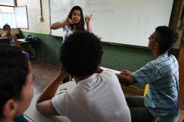 Escola que inclui surdos em Taguatinga, no Distrito Federal