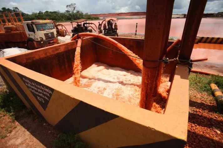 Após rompimento de tubulação de mineroduto, MPMG pede bloqueio de R$ 10 milhões da Anglo American