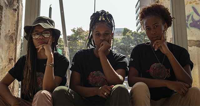 Anarvore, Eliza Castro e Iza Reys compõem a Afrolíricas