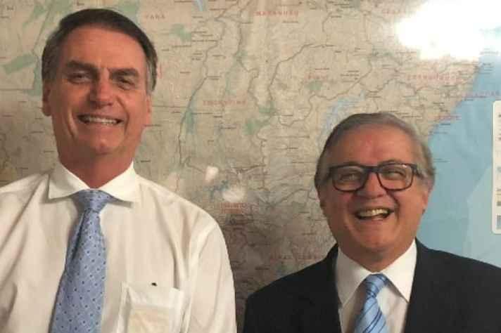 Presidente eleito, Jair Bolsonaro, e futuro ministro, Ricardo Velez Rodríguez