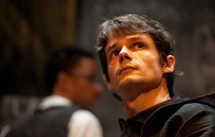 Desde 2016, ator Odilon Esteves publica poemas na internet