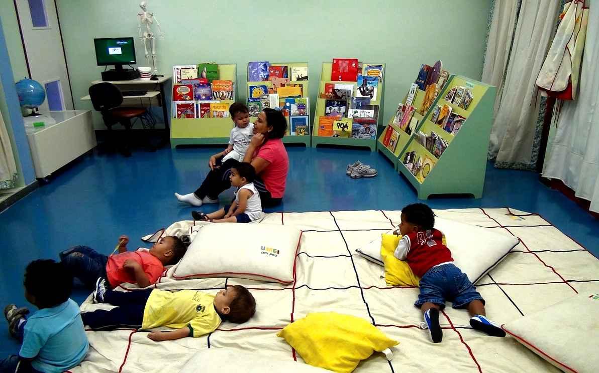Grupo da Umei Santa Amélia: ambiente de leitura literária