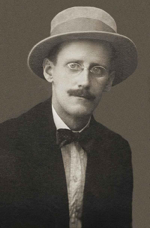 James Joyce, em 1915.